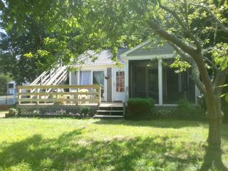 Cozy Bungalow near White Horse Beach-Pets Welcome! - Plymouth vacation rentals