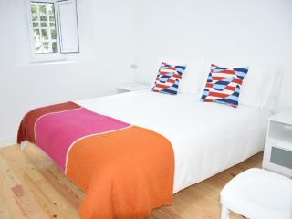 Cool Old Lisbon 2 Bedroom Apartment - Lisbon vacation rentals