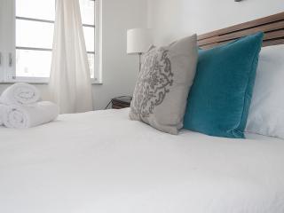 2 Bedroom apartment 209 - right across the Ocean - Miami Beach vacation rentals