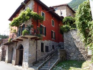Casa Lua, Lake Como view, 10 metres from shore - Carate Urio vacation rentals