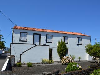 """Holiday House-Pico Island-  """"Casa da Hortênsia"""" - Pico vacation rentals"""