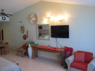 Oceanfront Penthouse Hotel Zone 3807 - Cancun vacation rentals