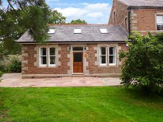 HOLLY LODGE, woodburner, WiFi, pets welcome, private patio, in Appleby-in-Westmorland, Ref. 919062 - Appleby vacation rentals