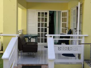 1 Bed resort apartment, Ocho rios - Ocho Rios vacation rentals