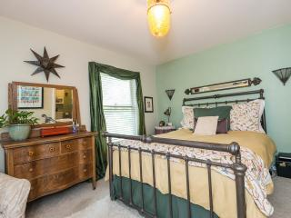Cozy Victorian Townhome - Walk to Downtown - Denver vacation rentals