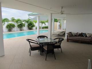 Beautiful Villa with Internet Access and A/C - Pak Nam Pran vacation rentals