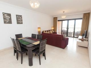 Nice Condo with A/C and Satellite Or Cable TV - Hurghada vacation rentals