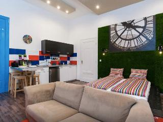 Apartment 'Clockhouse' - Budapest vacation rentals