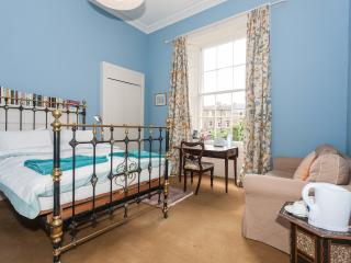 Winter Cherry - blue room - Edinburgh vacation rentals