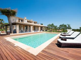 Perfect 5 bedroom Moscari Villa with Deck - Moscari vacation rentals