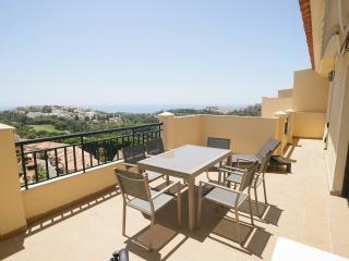 Luxury 2 Bedroom Penthouse. Wifi, Sea & Golf Views - Benalmadena vacation rentals