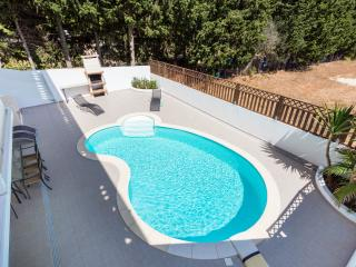 Nice Villa with Deck and Internet Access - Espiche vacation rentals