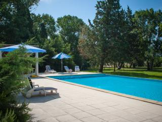 Le Trabet: L'OLIVIER - luxurious gite - Moussoulens vacation rentals