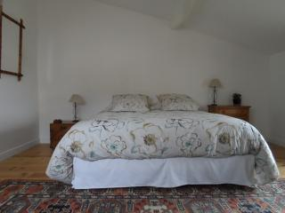1 bedroom Bed and Breakfast with Internet Access in Mortagne-sur-Gironde - Mortagne-sur-Gironde vacation rentals