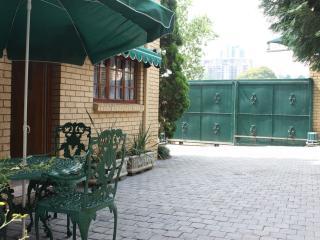 Shrubland Rose Garden Flatlet - Sandton vacation rentals