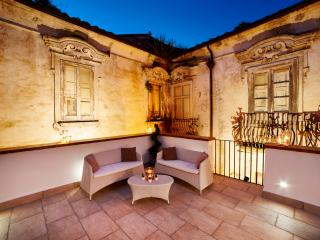 Appartamento con terrazzo Le case del Borgantico - Eboli vacation rentals