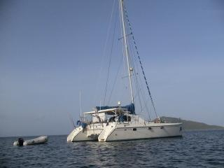 Nice 3 bedroom Yacht in French Harbour - French Harbour vacation rentals