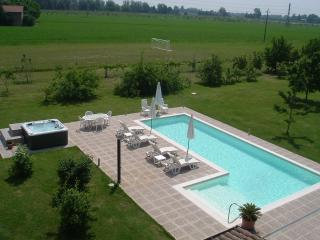 Casa delle noci - Modena vacation rentals