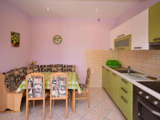2 bedroom Apartment with Internet Access in Lun - Lun vacation rentals