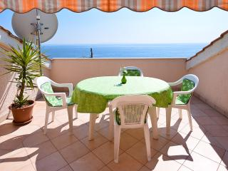 Apartment 3 Luci & Kety LUN,Pag - Lun vacation rentals