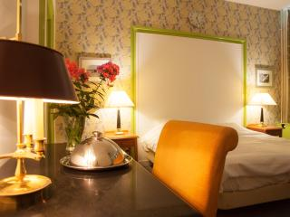 Old Canal House in the heart of Utrecht B - Utrecht vacation rentals