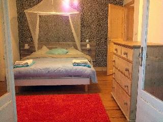 Bonáit - On-Suite Room with Balcony - Montricoux vacation rentals