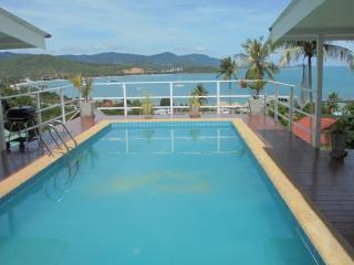 Villa avec piscine et belle vue sur la mer - Bophut vacation rentals