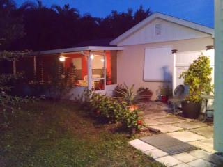 Private Country Cottage In Palm City Farm - Palm City vacation rentals