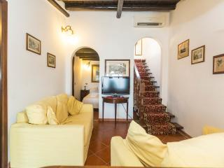 Ibiscus- indipendent apartment for 6 persons - Rome vacation rentals