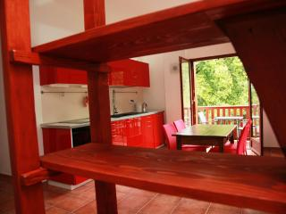 Adorable Studio with Wireless Internet and Balcony - Gap vacation rentals