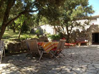 Les Ambrosis : 2 chambres à louer, 55 € chacune - Saint-Paul-de-Fenouillet vacation rentals