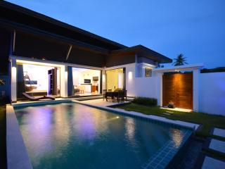 Rocking chair pool villa in chaweng beach - Chaweng vacation rentals
