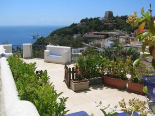 La Prua da Mare - Appartamento Fiocco - Ustica vacation rentals