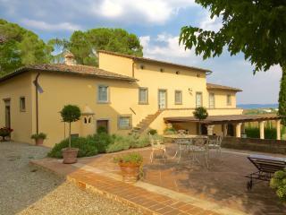 Beautifull villa with pool and amazing Tuscan view - Cortona vacation rentals