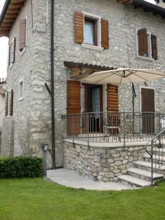 """Casa lacustre """"Il Melograno"""" - Brenzone vacation rentals"""