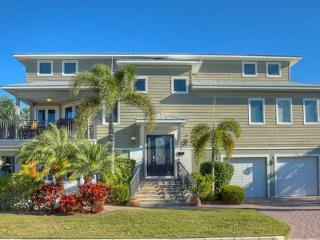 200' to the Beach, Heated Pool & Spa, Elevator - Holmes Beach vacation rentals