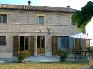 3 bedroom Bed and Breakfast with Internet Access in Scapezzano - Scapezzano vacation rentals