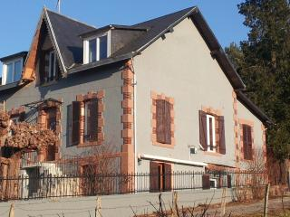 Nice Resort with Internet Access and Garden - Saint-Honore-les-Bains vacation rentals