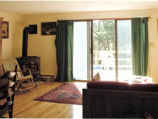 Lovely Cape Cod condo with pools, tennis, bikes - Brewster vacation rentals