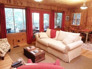 Cozy 2 bedroom Highlands House with Internet Access - Highlands vacation rentals