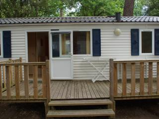 Lovely Caravan/mobile home with Children's Pool and Wireless Internet in Saint-Brevin-les-Pins - Saint-Brevin-les-Pins vacation rentals