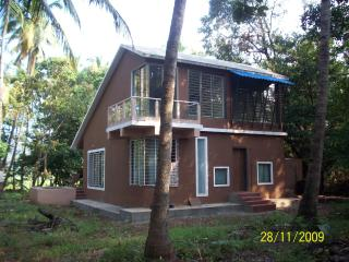 1 bedroom Bungalow with Balcony in Ratnagiri - Ratnagiri vacation rentals