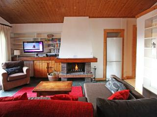 Perfect 2 bedroom Condo in Chamonix with Satellite Or Cable TV - Chamonix vacation rentals