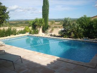 Bright House in Pezenas with Dishwasher, sleeps 8 - Pezenas vacation rentals