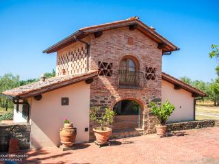 Terra Etruria Appartamento Il Fienile - Terranuova Bracciolini vacation rentals