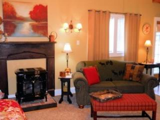 Cozy Cottage with Deck and Internet Access - Luray vacation rentals
