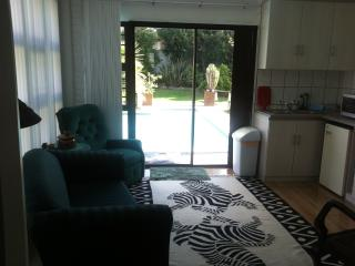 Lovely Apartment in Durbanville with A/C, sleeps 3 - Durbanville vacation rentals