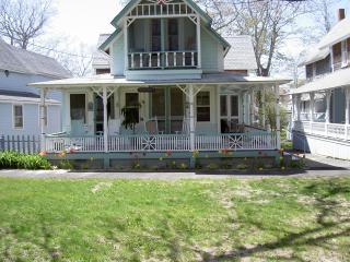 Adorable GINGER BREAD house on MV..best location!! - Oak Bluffs vacation rentals
