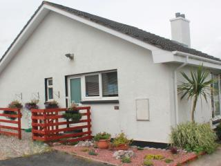 2 bedroom Cottage with Internet Access in Stornoway - Stornoway vacation rentals