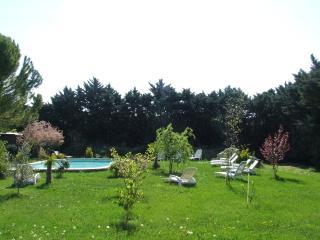 campagne gite t5 avec piscine - Manosque vacation rentals
